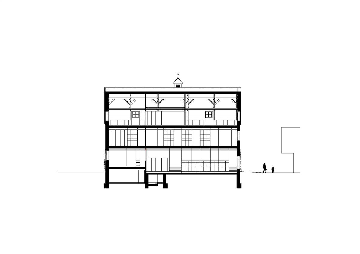 Longitudinal section © Hein Architekten