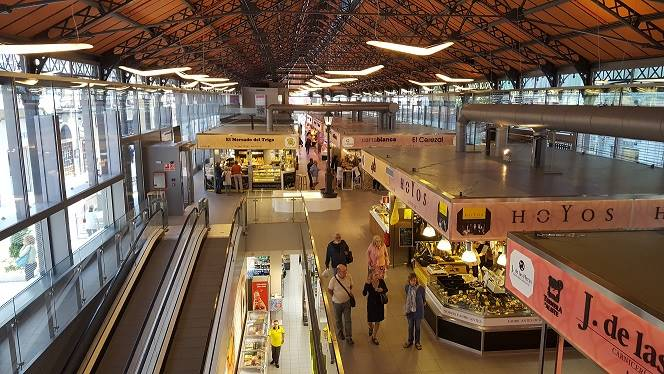 Mercado del Val interior picture (Own source)