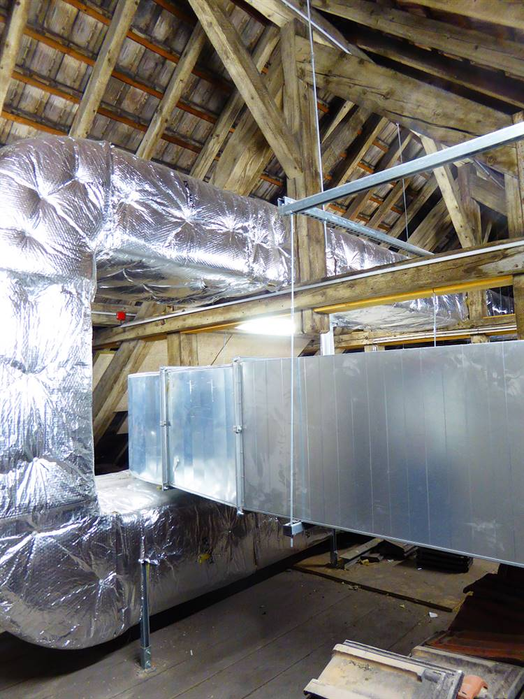 Dual flow air handling units in the attic (author : CREBA)